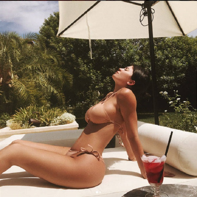 Kylie Jenner instagram photos hot bikini photo