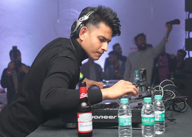 Latest News from India - Get Ahead - Careers, Health and Fitness, Personal Finance Headlines - Video: These DJs will make you fall in love with music again!