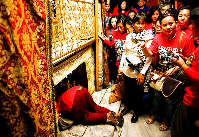 christmas rituals around the world