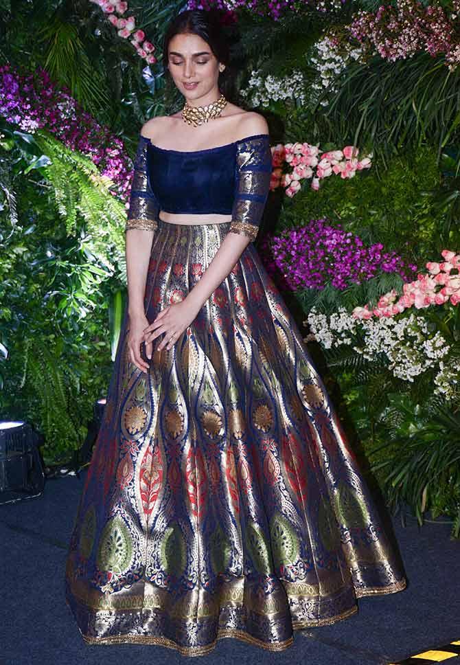 Beste Manish Malhotra Party Wear Dresses Zeitgenössisch ...