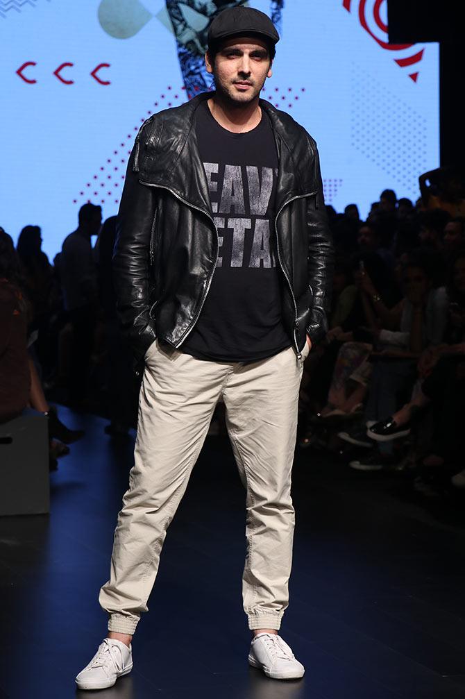 Waluscha, Elli, Sunidhi attend fashion week - Rediff.com ...