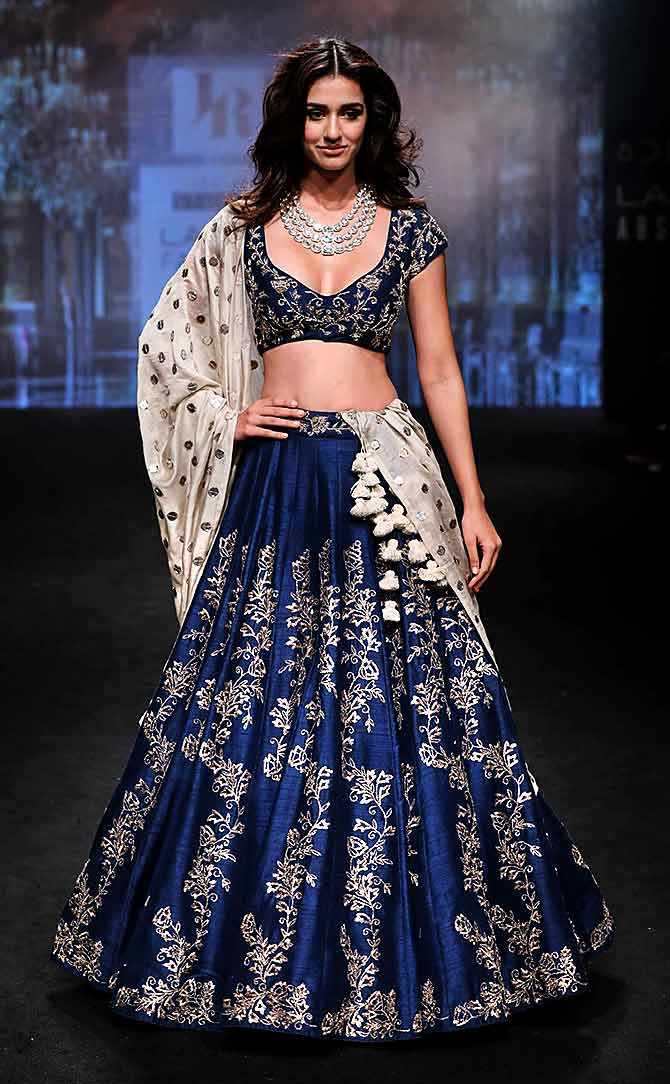 Latest News from India - Get Ahead - Careers, Health and Fitness, Personal Finance Headlines - Disha, Malaika or Preity: Vote for the hottest LFW showstopper