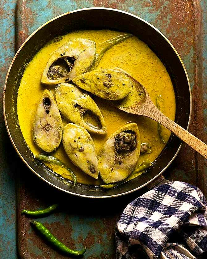 The monsoon in a bengali kitchen rediff get ahead ilish hilsa forumfinder Image collections