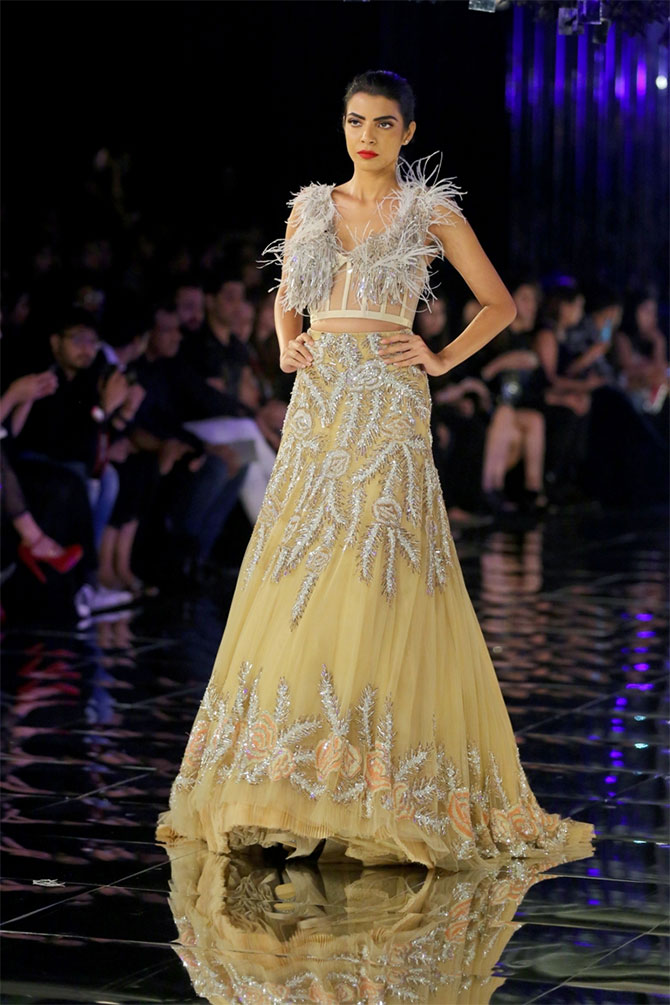 Manish Malhotra fashion show