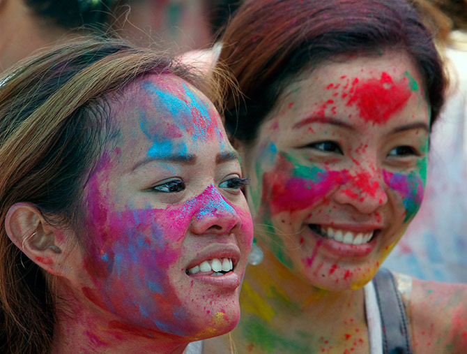 Latest News from India - Get Ahead - Careers, Health and Fitness, Personal Finance Headlines - How to heal your skin and hair after Holi
