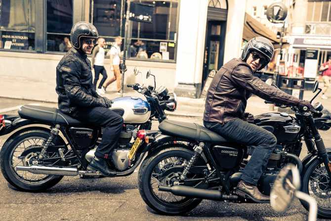 Falling In Love With The Triumph Bonneville T100 Rediffcom Get Ahead