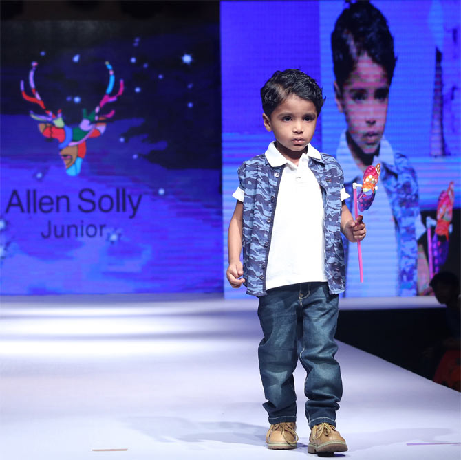 Junior's Fashion Week