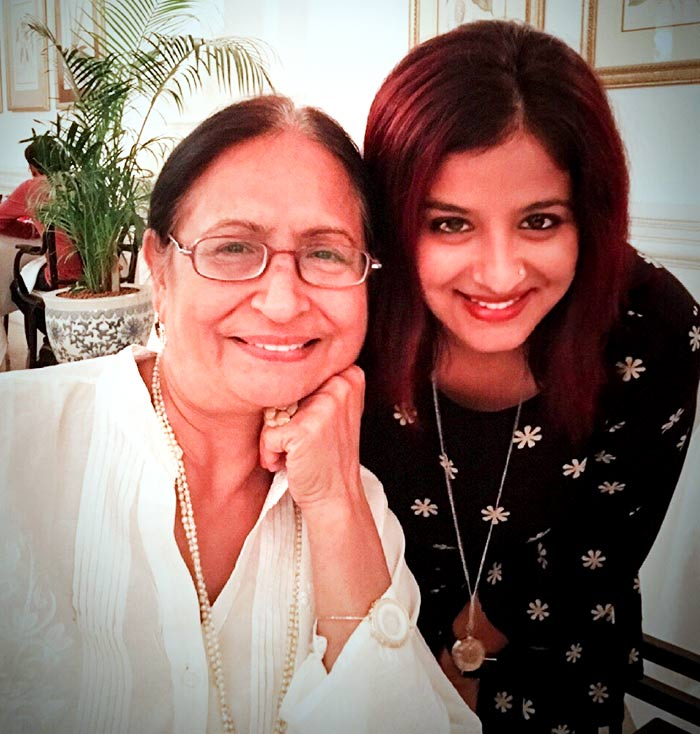Nivi and her mother