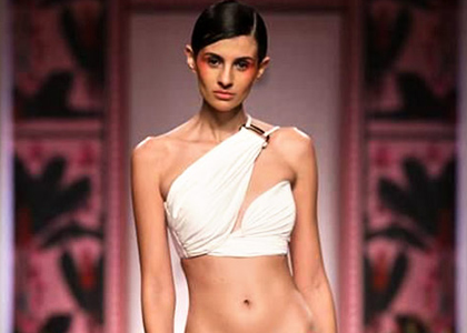 Latest News from India - Get Ahead - Careers, Health and Fitness, Personal Finance Headlines - 8 splendid looks for a beach wedding