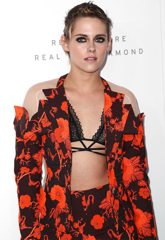 Bold and beautiful kristen stewart wore the pantsuit of our dreams kristen voltagebd Image collections