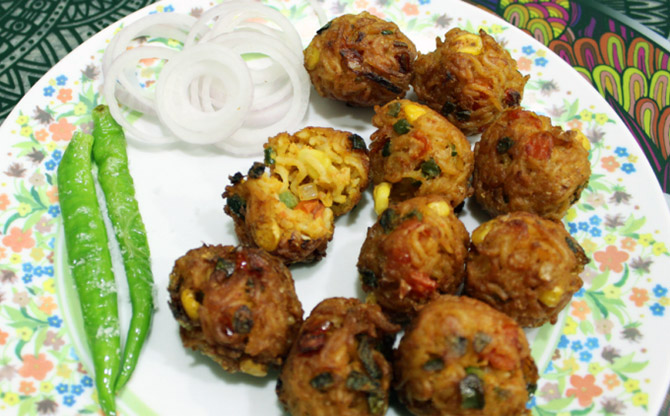 Party appetisers: Maggi Pakoda, Basket Pizza and more - Rediff com