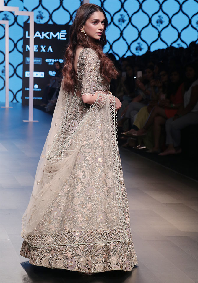 aditi rao hydari walks for payal singhal