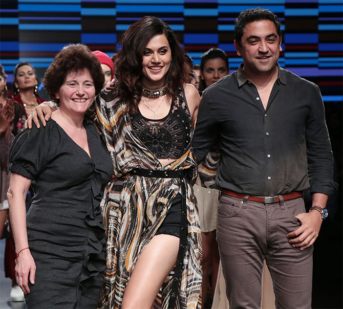 Taapsee pannu Ritu Kumar Lakme Fashion Week