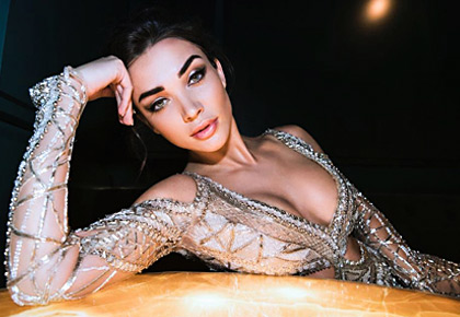 Latest News from India - Get Ahead - Careers, Health and Fitness, Personal Finance Headlines - Oomphalicious Amy Jackson stuns in a daring cutout gown
