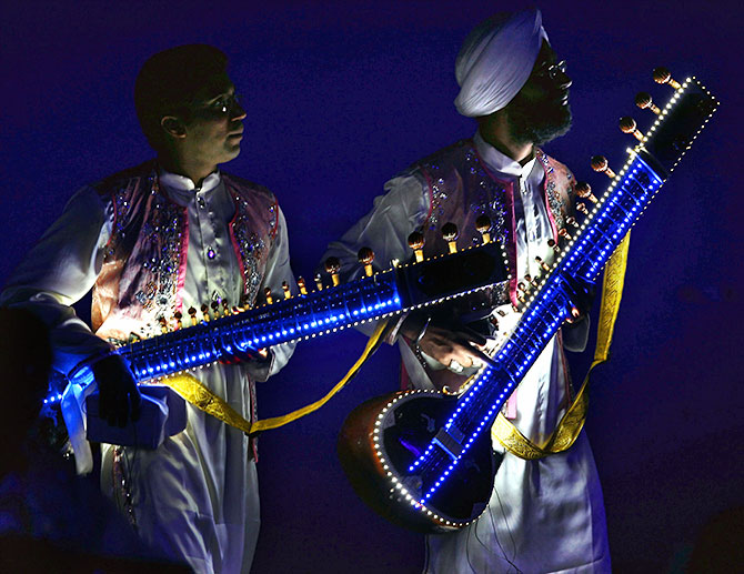 Sitar players
