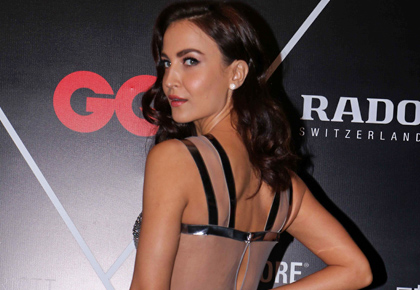 Latest News from India - Get Ahead - Careers, Health and Fitness, Personal Finance Headlines - Smokin' hot! Elli Avram turns up the heat in a backless gown
