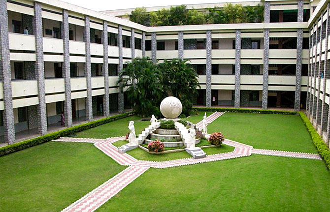 Top 20 science colleges in India