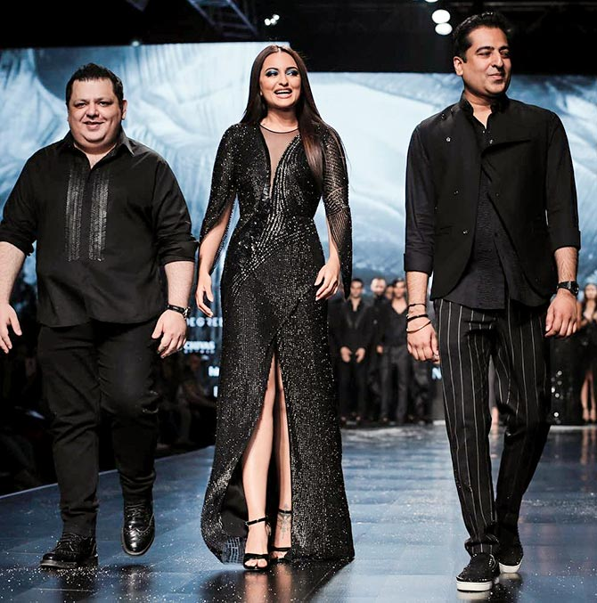 Sonakshi Sinha walks for Lotus Makeup India fashion week