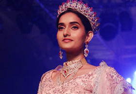 Latest News from India - Get Ahead - Careers, Health and Fitness, Personal Finance Headlines - Who's this gorgeous diva on the ramp?