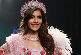 Latest News from India - Get Ahead - Careers, Health and Fitness, Personal Finance Headlines - This beauty queen just stole our hearts
