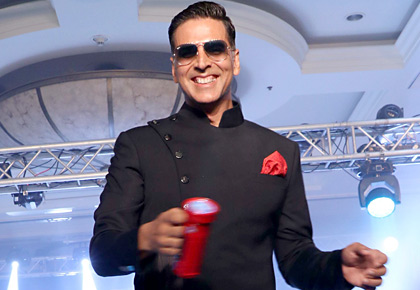 Latest News from India - Get Ahead - Careers, Health and Fitness, Personal Finance Headlines - Khiladi Akshay Kumar sets the ramp on fire!
