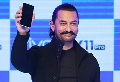 Latest News from India - Get Ahead - Careers, Health and Fitness, Personal Finance Headlines - Is this Aamir Khan's favourite phone?