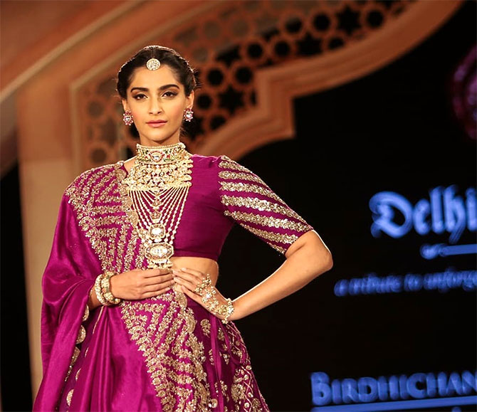 Sonam walks for Birdichand Jewellers