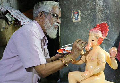 Latest News from India - Get Ahead - Careers, Health and Fitness, Personal Finance Headlines - Meet the man who sculpts Lalbaugcha Raja
