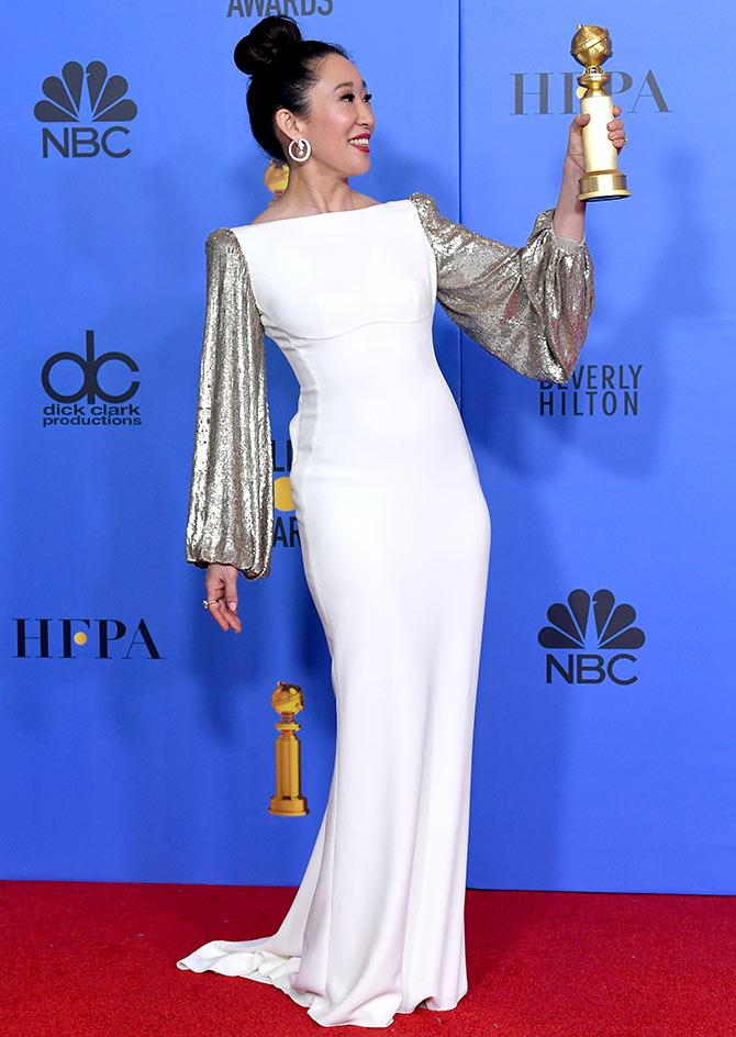 Golden Globes Host Sandra Oh S Sweet Gesture Rediff Com