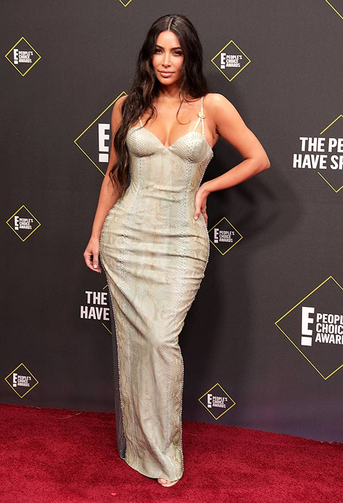 Hot alert Kim sizzles in a figure hugging gown Rediff