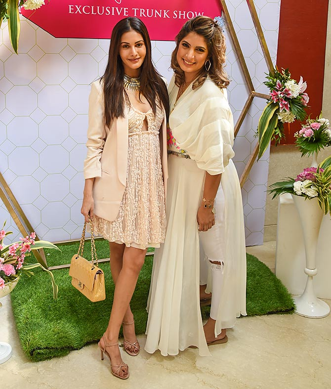 Pix: Amyra, Mira at their stylish best