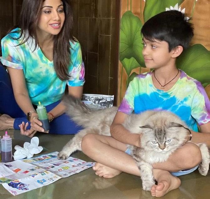Shilpa and Viaan paint during quarantine period