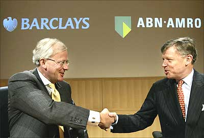 the abn amro takeover Abn amro takeover and the resulting drop in share value fortis was part of the consortium with royal bank of scotland group (rbs) and banco santander, that announced on october 8, 2007.