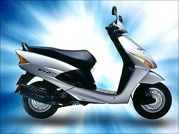 Honda Dio.