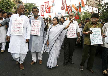 Mamata Banerjee takes part in a rally to protest against the government's actions in Lalgarh.