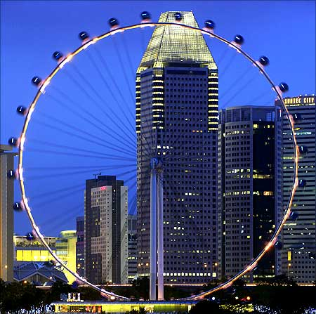The Singapore Flyer observation wheel.