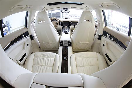 The interior of a Panamera car.