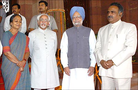 (L to R) Vice President, Mohd. Hamid Ansari, the Speaker, Lok Sabha, Meira Kumar, Dr. Manmohan Singh and the Secretary-General, Lok Sabha, P.D.T. Achary at Parliament House.