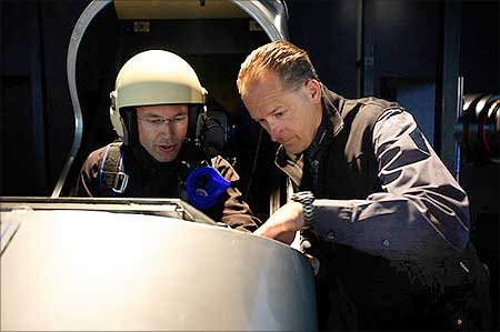Andre Borschberg and Bertrand Piccard during the 2008 virtual flight