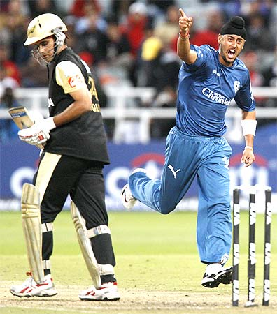 Deccan Chargers Harmeet Singh (R) celebrates after the dismissal of Kolkata Knight Riders Sourav Ganguly in their 2009 Indian Premier League (IPL) T20 cricket tournament match in Cape Town.