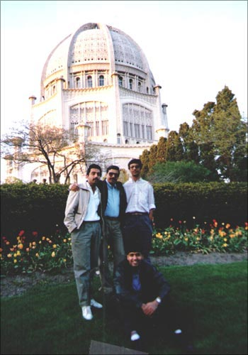Jain (center) when he started teaching at Kellogg in May 1987.