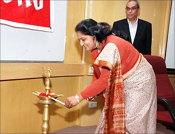 Karuna Jain inaugurated Avenues 2009 in the presence of Ajit Balakrishnan, CEO, rediff.com.