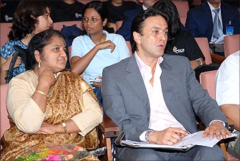 Ness Wadia with Karuna Jain, Head of SJMSOM, at Avenues 2009.