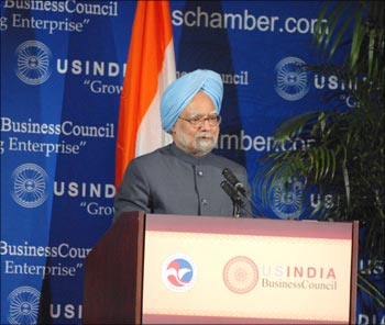 US Chamber and US-India Business Council join industry leaders in welcoming Prime Minister Singh at the USIBC event in Washington DC on November 23.
