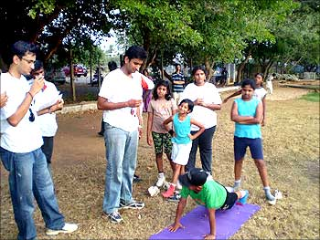 Akhil Ravi and Varun Gupta, co-founders, Indiakhelo conducting Fitness Test in Bangalore.