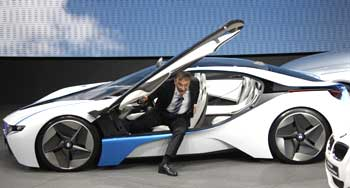 Chief Executive of BMW Norbert Reithofer leaves the Vision Efficient Dynamics concept.