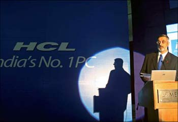 An HCL Infosystems executive at a seminar.