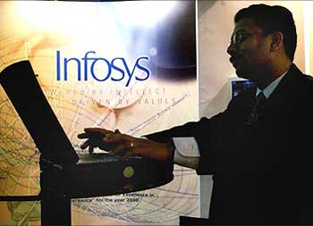 Infosys employees vent anger on HR issues in blogs