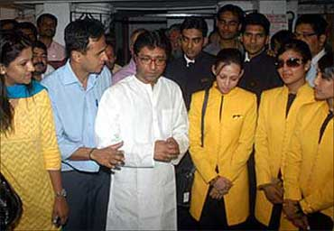 MNS chief Raj Thackeray with Jet Airways employees.