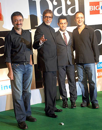 (L to R) 3 Idiots director Raju Hirani with Amitabh Bachchan, Aamir Khan and Vidhu Vinod Chopra.